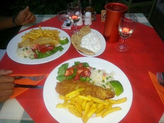 Mediterraneo Restaurant: Great food!! The best tsatziki & cod fish