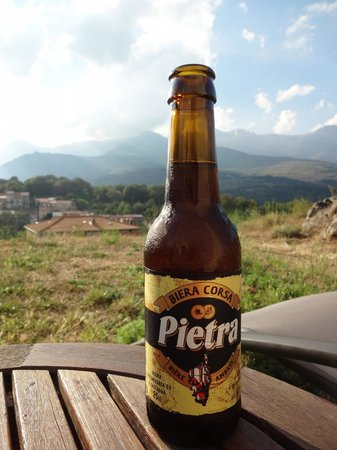 Casa Vanella : a cold drink and a fantastic view after a long hiking day