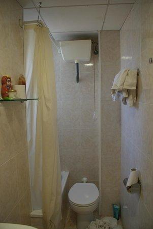 Sanmarti Hotel: bathroom