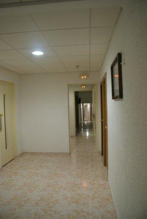 Sanmarti Hotel: corridor