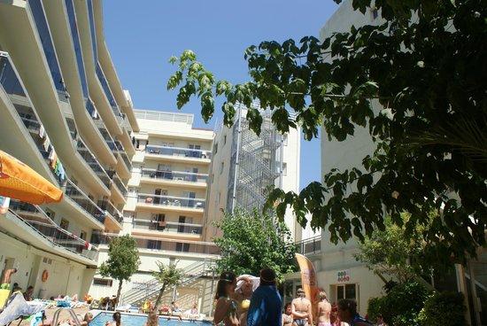 Sanmarti Hotel: inside