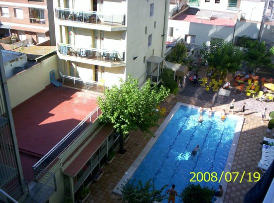 Sanmarti Hotel: view on swimming pool