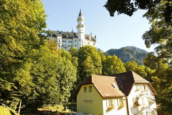 Schlossrestaurant Neuschwanstein: so close to the castle, could almost touch it!!