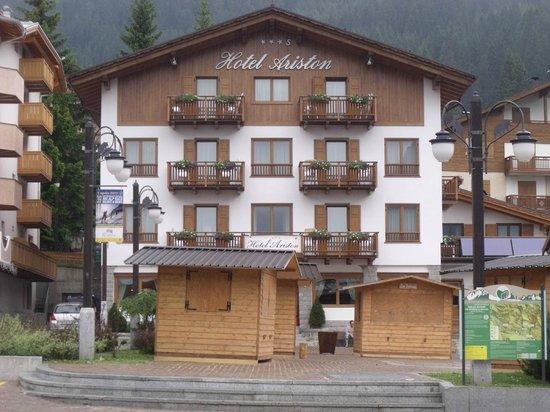 Hotel Ariston : posizione cenrale vista dal mercattino