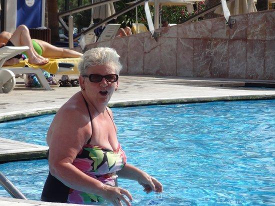 SENTIDO Playa del Moro: Pool a bit cool.