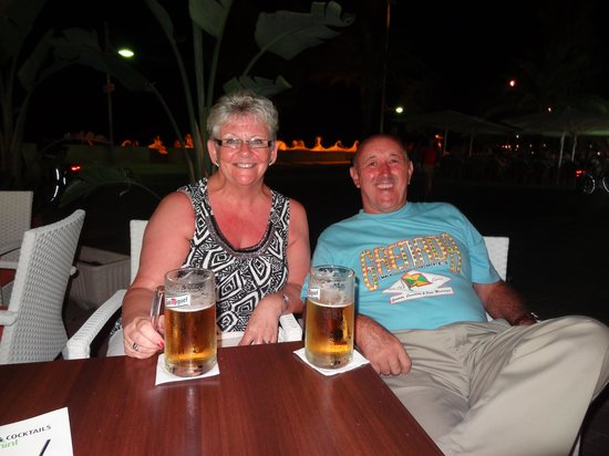SENTIDO Playa del Moro: out for a drink