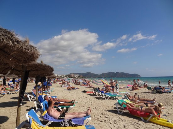 SENTIDO Playa del Moro: The beach