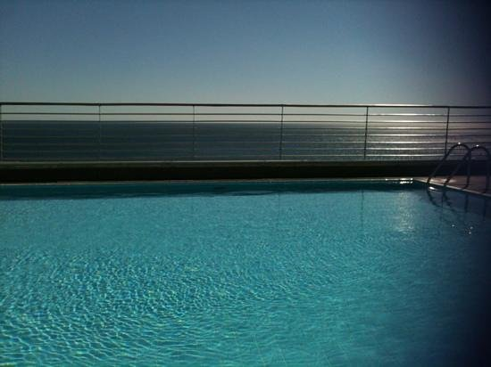 SANA Sesimbra Hotel: view from roof top pool