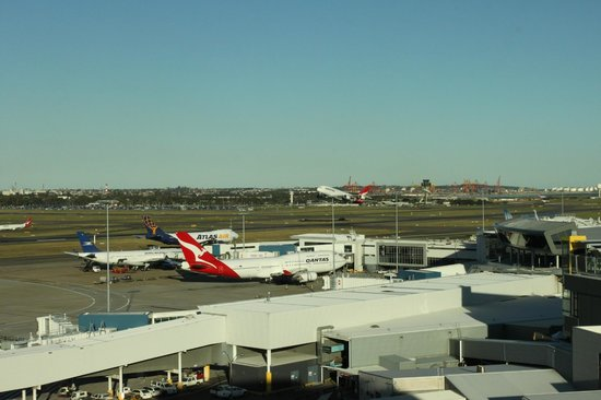 view from my window picture of rydges sydney airport. Black Bedroom Furniture Sets. Home Design Ideas