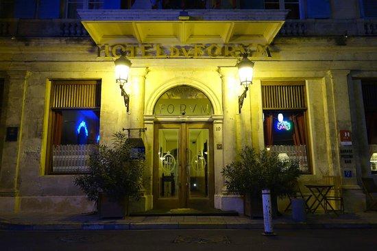 Hôtel du Forum : Entrée de l'hôtel