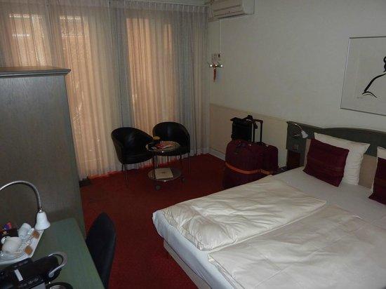 Hotel de Pauwenhof: Courtyard room