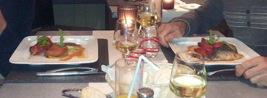 La Petite Auberge : Filet de Daurade Royale arrosé d'un  Chablis 2009. Hum ! Hum !