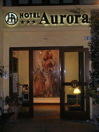 Aurora Hotel: Hotel Aurora notturna