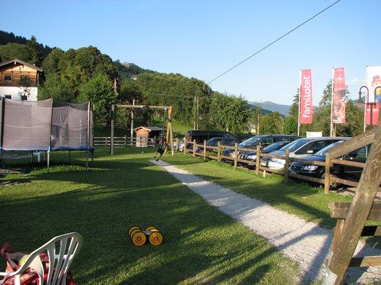 Lengauer Hof: Playground outside hotel
