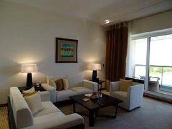 Deluxe Room Picture Of Grosvenor House Dubai Dubai