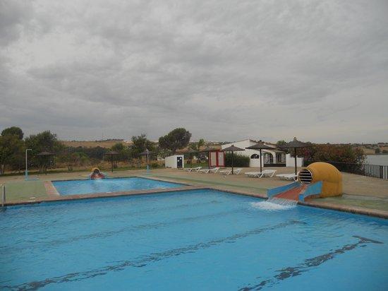 Hotel Meson de la Molinera: Piscina