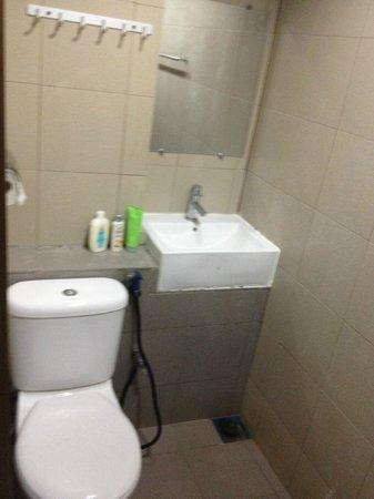 Redang Pelangi Resort: Clean toilet