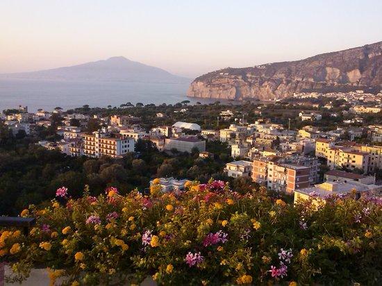 Cristina Hotel: Veduta dalla terrazza3