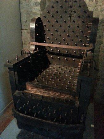 Le Musée de la Torture de Carcassone : chaise de torture