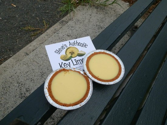 Steve's Authentic Key Lime Pies: The little pies