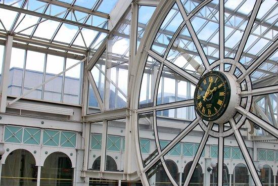 St. Stephen's Green Shopping Centre: Orologio