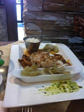Le Bistrot de la Perle: cabillaud plancha et poêlée légumes