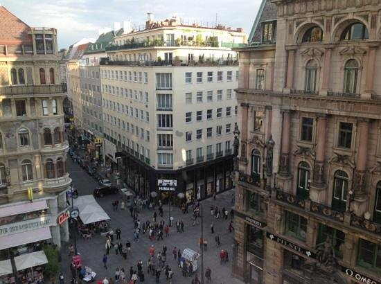 DO & CO Hotel Vienna: view of room 607
