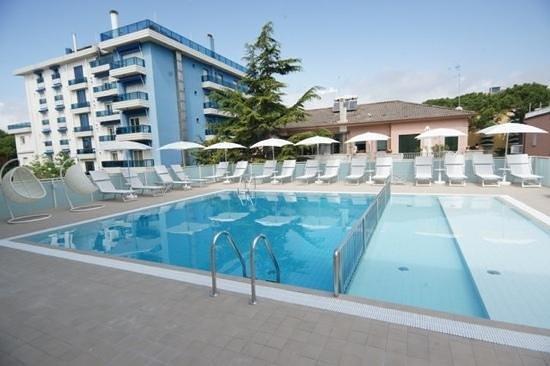 Hotel Albatros: piscina riscaldata