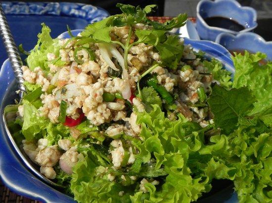 Fanny Thai : chicken and Thai herbs salad
