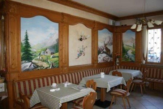 Hotel Stelvio: Pièce petit déjeuner