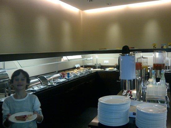 NH Düsseldorf Königsallee: buffet