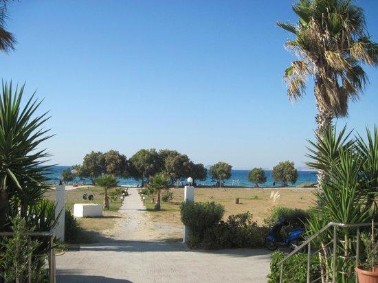 Costa Angela: Blick vom Hotel Richtung Strand