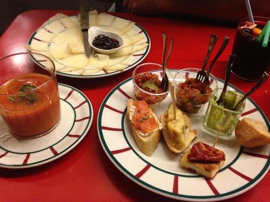 Crampotte 30: Tapas, gaspacho, assiette de fromages et sangria maison : un régal
