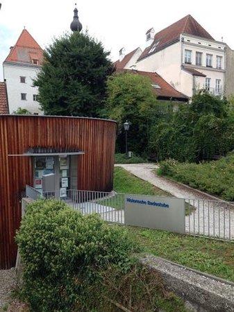 Vorderbad-Mittelalterliche Badestube: Badestube