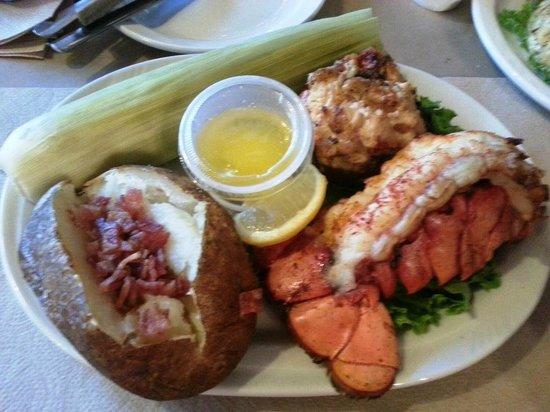Woody's Crab House: Real Surf & Turf / Reasonable $$