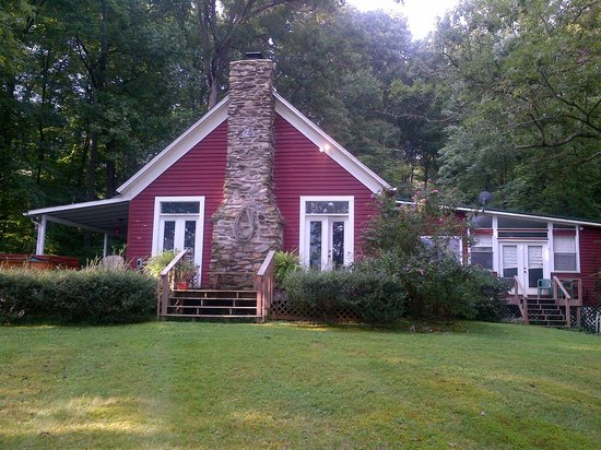 Timberwinds Log Cabins: Red Bank School House