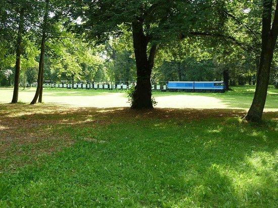 Palais Großer Garten: Parkeinsenbahn