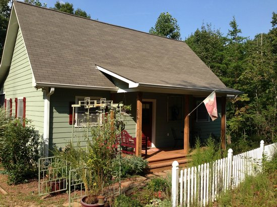 Mtn Laurel Creek Inn & Spa: Dancing Bear Cottage