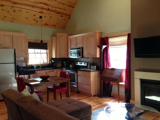 Mtn Laurel Creek Inn & Spa: Kitchen