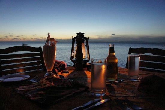 Paradise Taveuni: Dineren aan het water