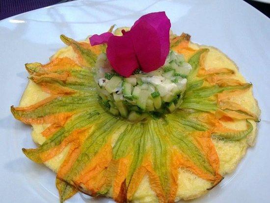 El Secreto B&B: Brreakfast omelette with zuchinni flowers