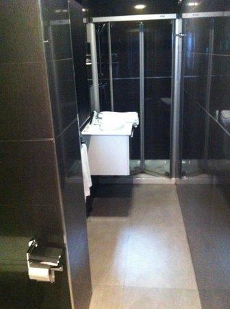 Hotel Apartamentos Arrizul: Baño