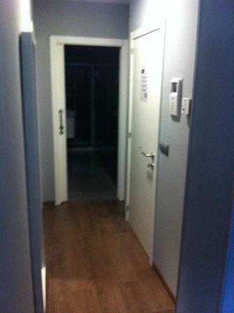 Hotel Apartamentos Arrizul: Pasillo entrada