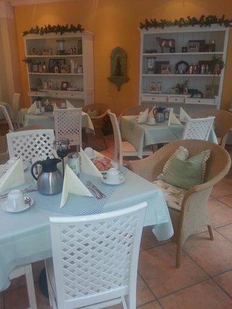 Hotel Bayerischer Hof: Breakfast room