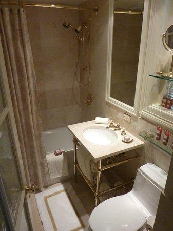 The Hay-Adams: Bathroom