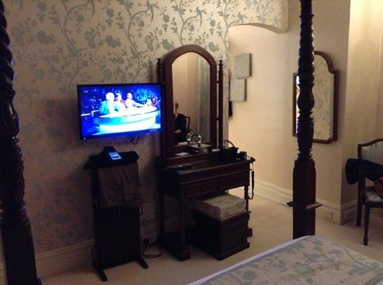 Grovefield Manor: bedroom from bed