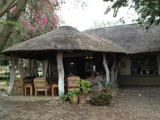 Umkumbe Safari Lodge : This is where we get a free flow of coffee, tea or hot choc