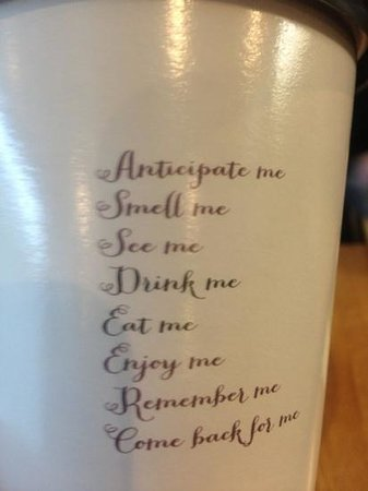 Drink Me Eat Me: personalised cup to go!