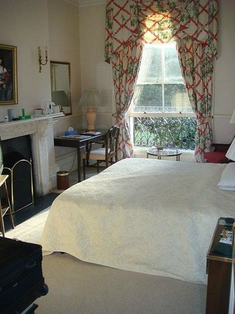 Best Western Clifton Hotel: Bedroom. Room 112.