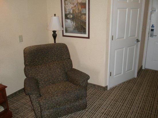 Baymont Inn & Suites Georgetown/Near Georgetown Marina : Recliner